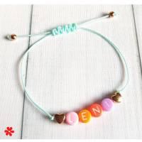 Feines Armband Herzen & bunte Buchstaben Perlen, Namen personalisiert, Perlen rosegold, Makramee Band Pink Türkis etc Bild 1