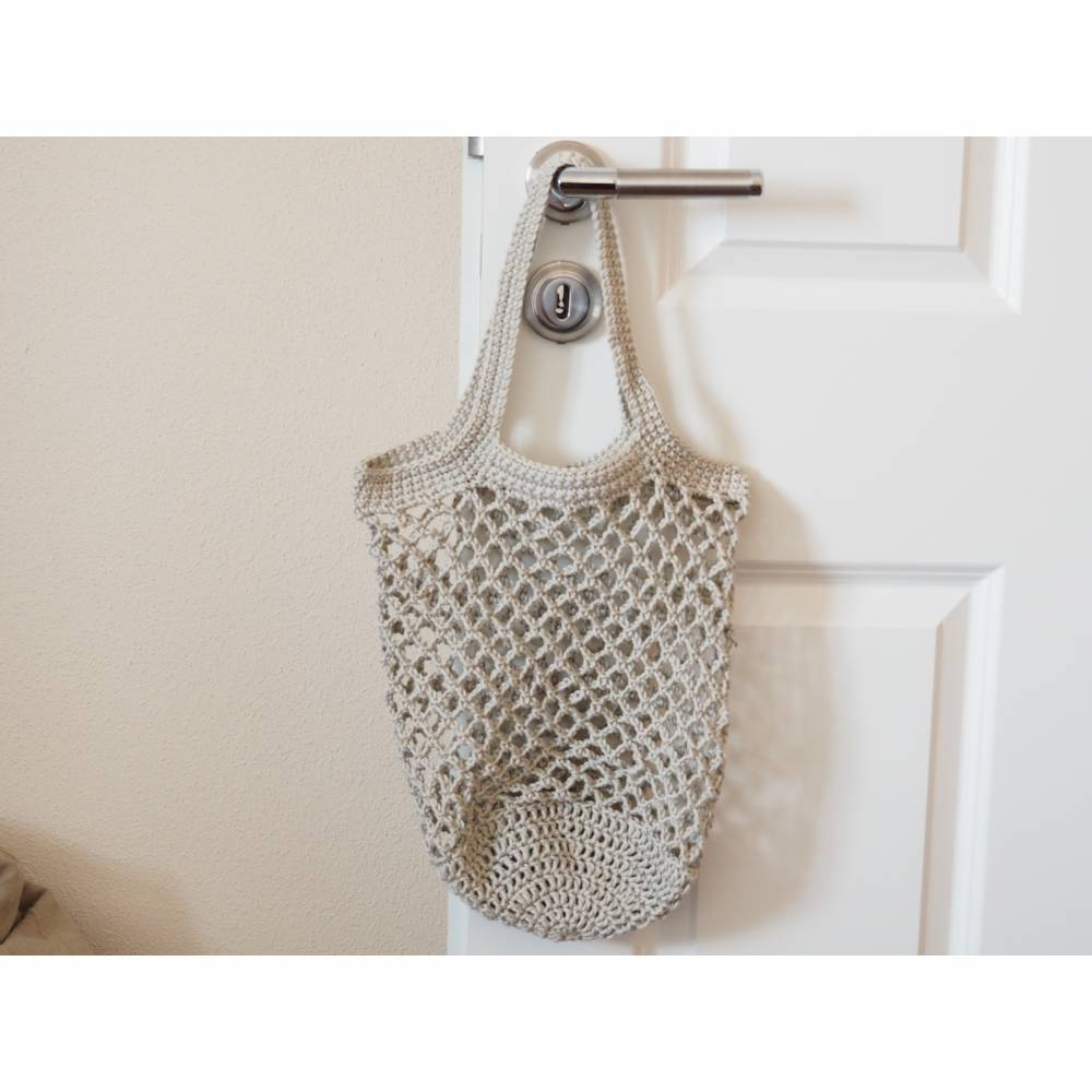 Häkeltasche Einkaufstasche Einkaufsnetz in beige aus hochwertiger Baumwolle mit Schulterriemen gehäkelt Bild 1