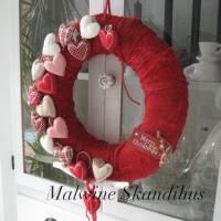 Weihnachtskranz, Türkranz, im rotem Filz, Deko Stoffherzen, Ø 42 cm Skandinavischer Stil Bild 1