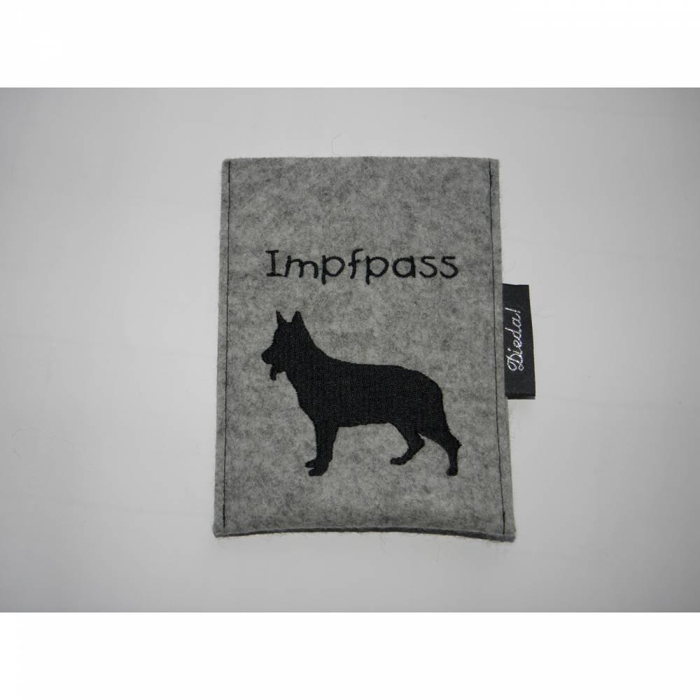 Schäferhund, Impfpasshülle für Dein Haustier, personalisierbar, Variante zum Aufklappen möglich, aus Wollfilz, von Dieda Bild 1