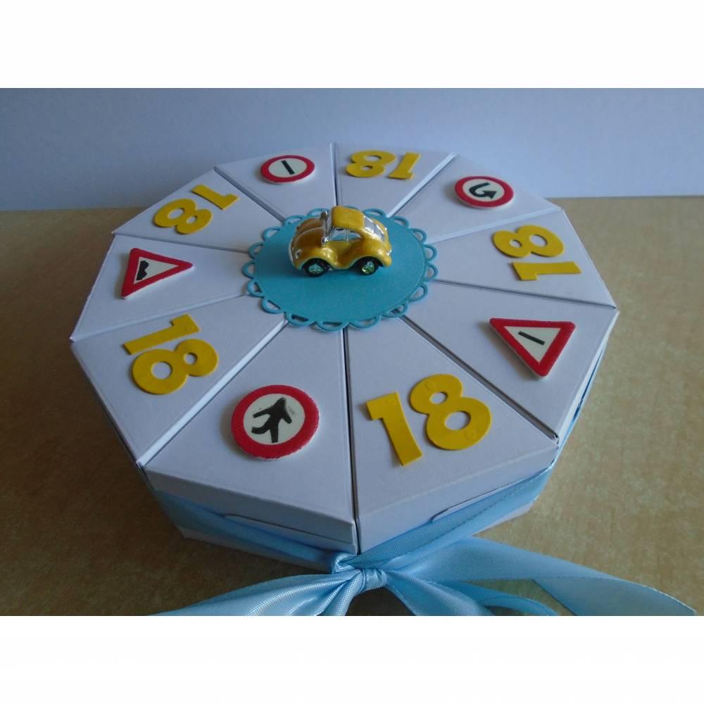 Geldgeschenk zum Geburtstag Füherschein 18 Geburtstag Auto Schachteltorte Papiertorte  Geburtstagstorte Geburtsgsgeschenk Füherschein Bild 1