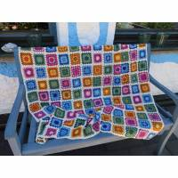 Granny-Square Decke gehäkelt, bunt, waschbar Bild 1