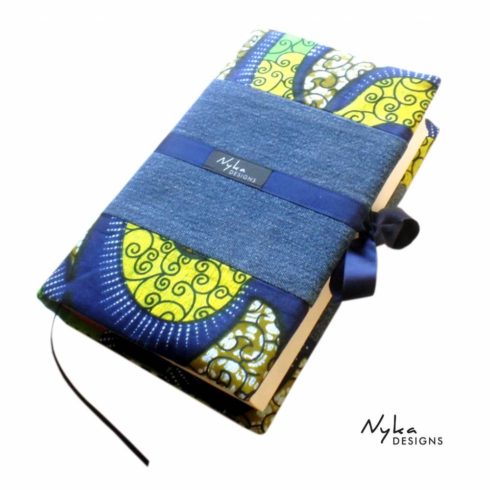 Buchhhülle A5 aus Jeans Upcycling und african WAX print, für gebundene Bücher und große Taschenbücher Bild 1