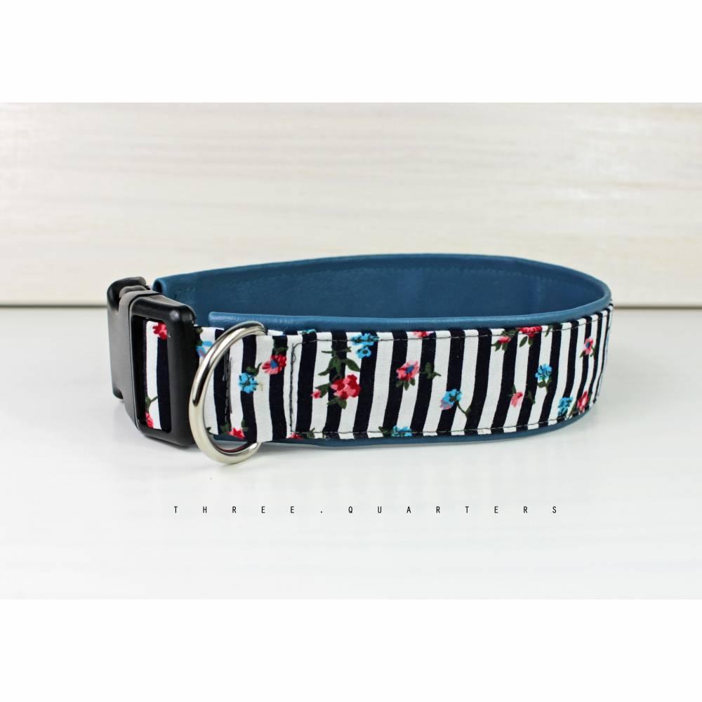 Hundehalsband gestreift in schwarz und weiß, mit Kunstleder in petrolblau, Halsband für Hunde Bild 1