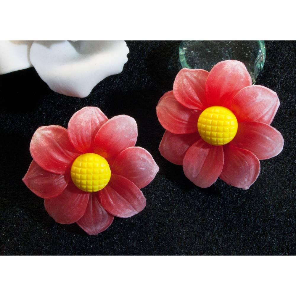 Vintage Ohrclips Margeriten in rot, 50er, 60er Jahre, Blumen Ohrclips, Western Germany, Ohrringe, Trödel Dings da Bild 1