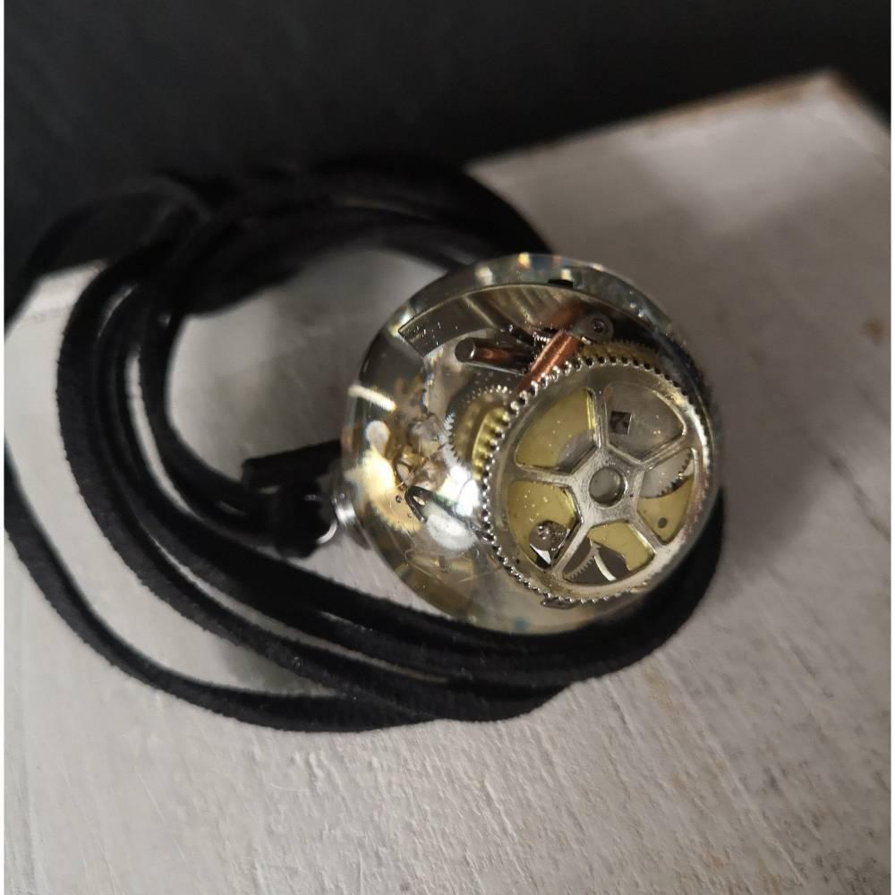 Steampunk-Kette,Halskette, Leder,Harz,  Velourlederband,Lederkette, Uhr, Uhrenteile, Bild 1
