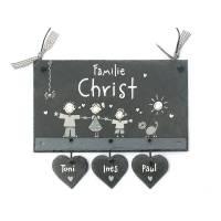 Schieferheld Türschild, personalisiertes Geschenk Türschild Familie mit Herzanhänger, Türschild Schiefer handbemalt, Gastgeschenk individuell Bild 1