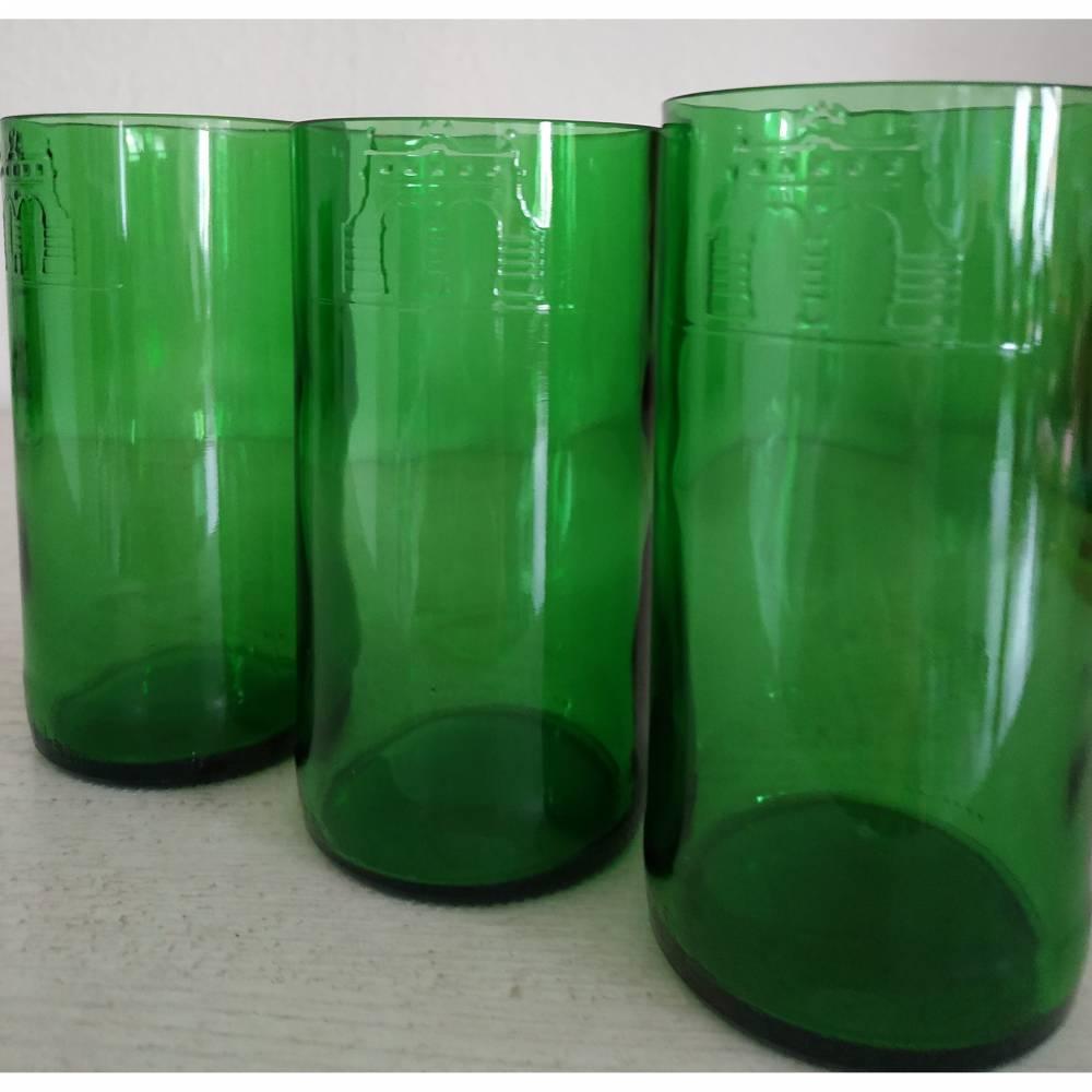 Longdrink-Glas-Set aus Bierflaschen gefertigt - mit Prägung. Bild 1