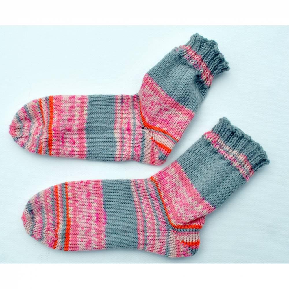 gestrickte Socken Bild 1