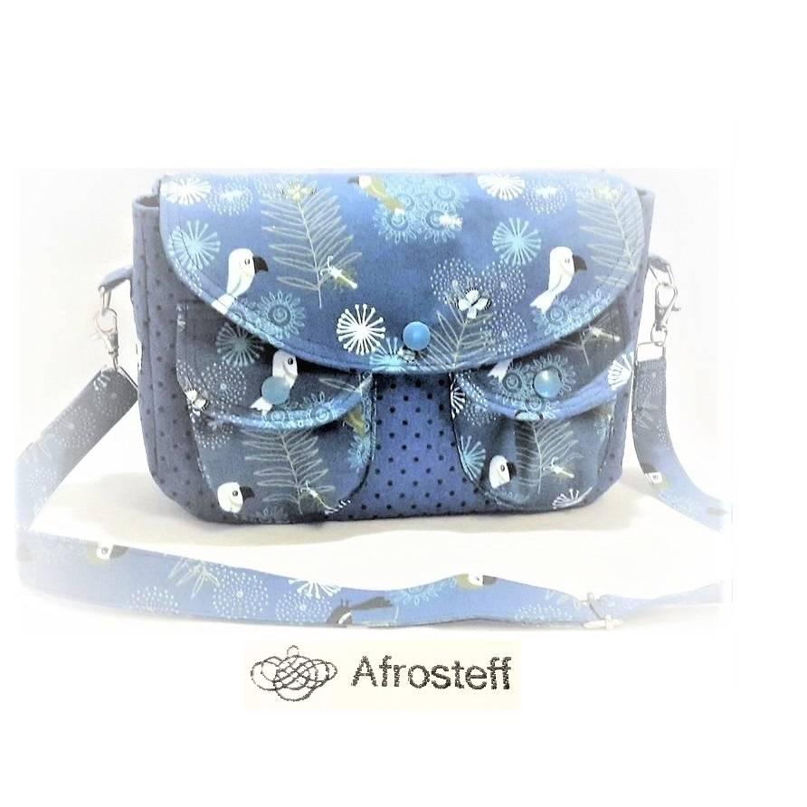 Handtasche mit liebevollen Details/ Umhängetasche  Bild 1