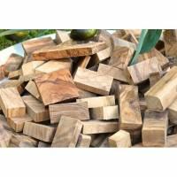 Chunks aus Olivenholz zum Räuchern oder Smoken (1 kg) Bild 1