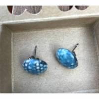 Runde Keramik-Ohrstecker: Blau auf weißem Ton (4) Bild 1