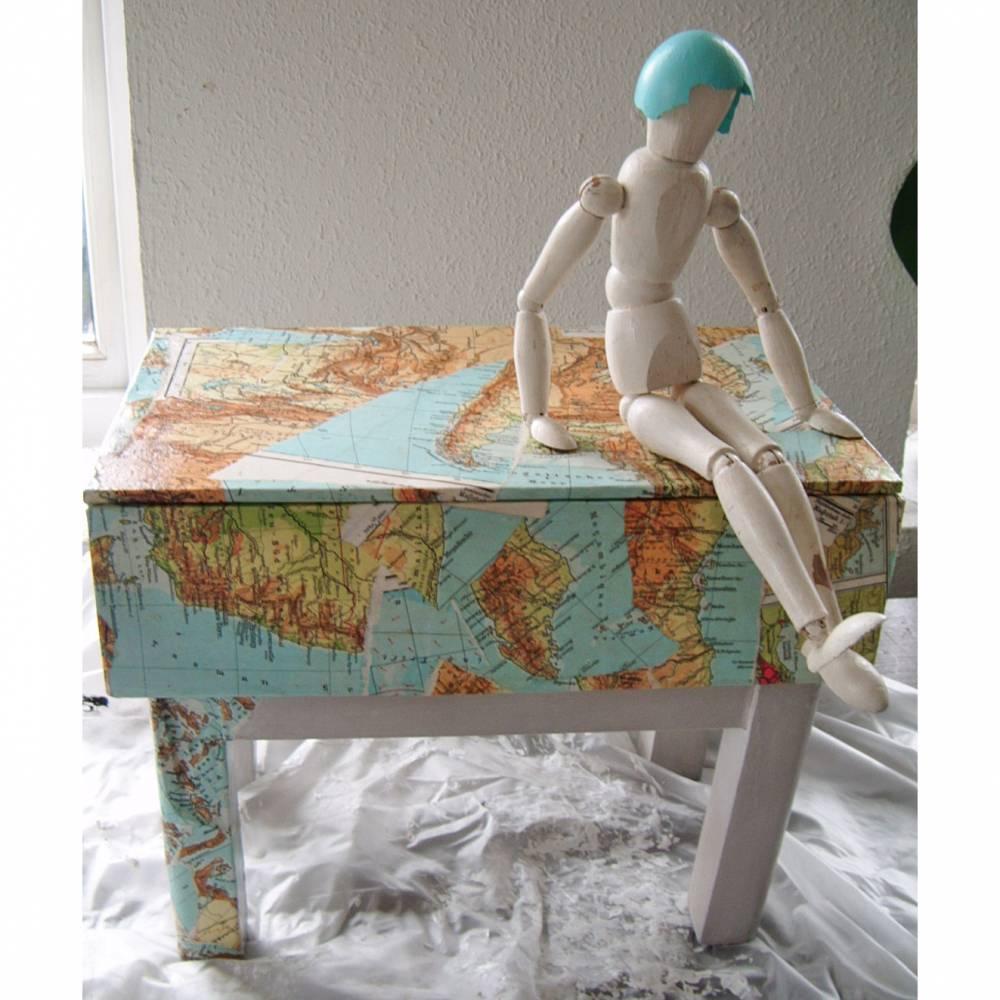 Shabby Chic Kasten Schatztruhe Fußbank Landkarte Patchwork *out of your box* Shabby Chic Handarbeit von pimp-factory Bild 1