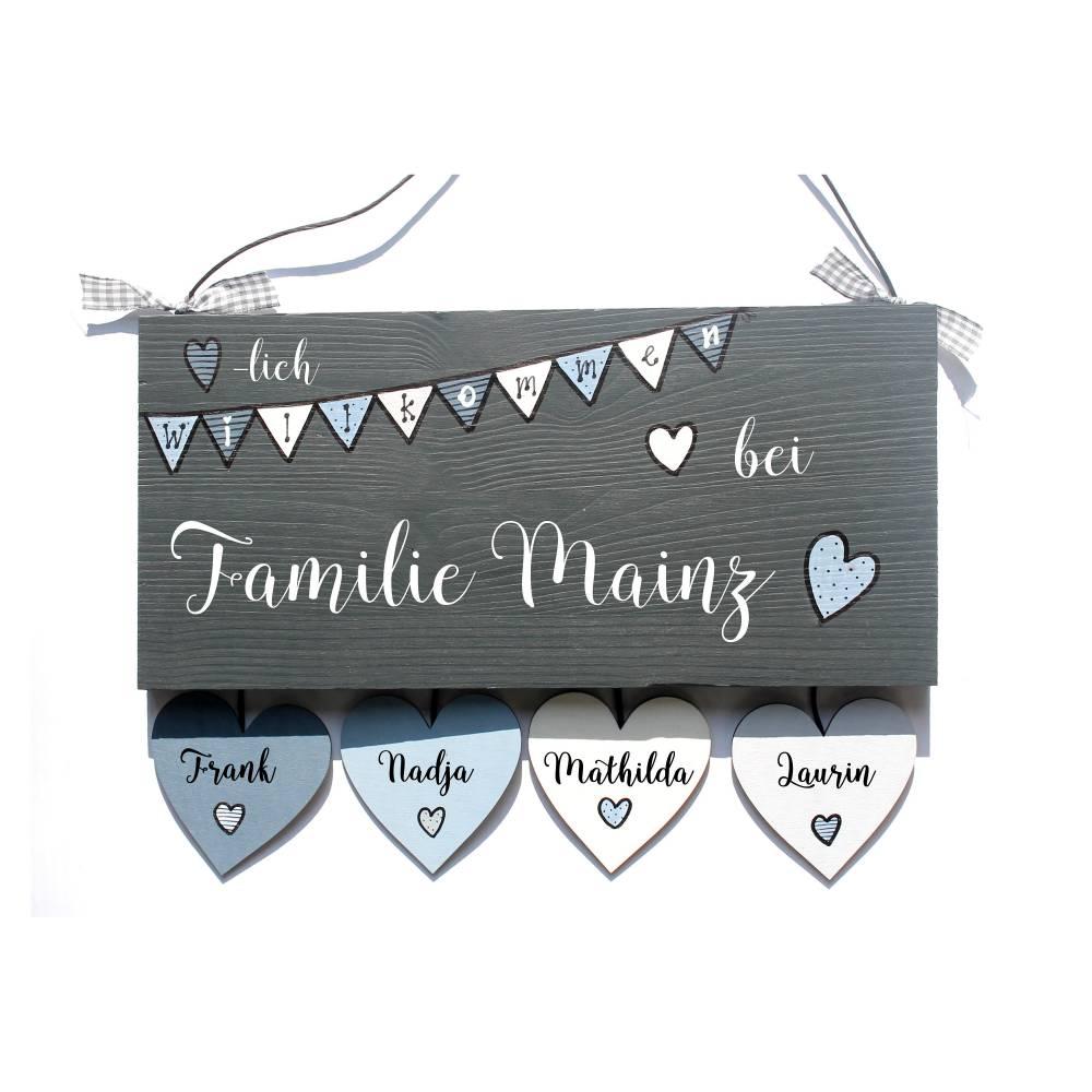 Türschild Familie personalisiert, Familienschild Wimpelkette mit Herzanhänger Bild 1