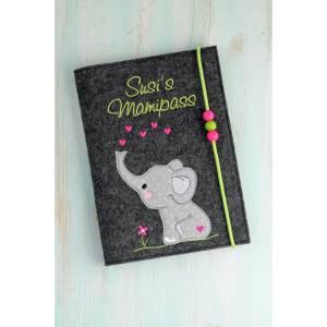 Mutterpasshülle Elefant mit Herzen,aus Wollfilz