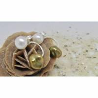 Doppel-Perlen-Ohrstecker, weiß grüne Kombination mit Keshi-Perle Bild 1