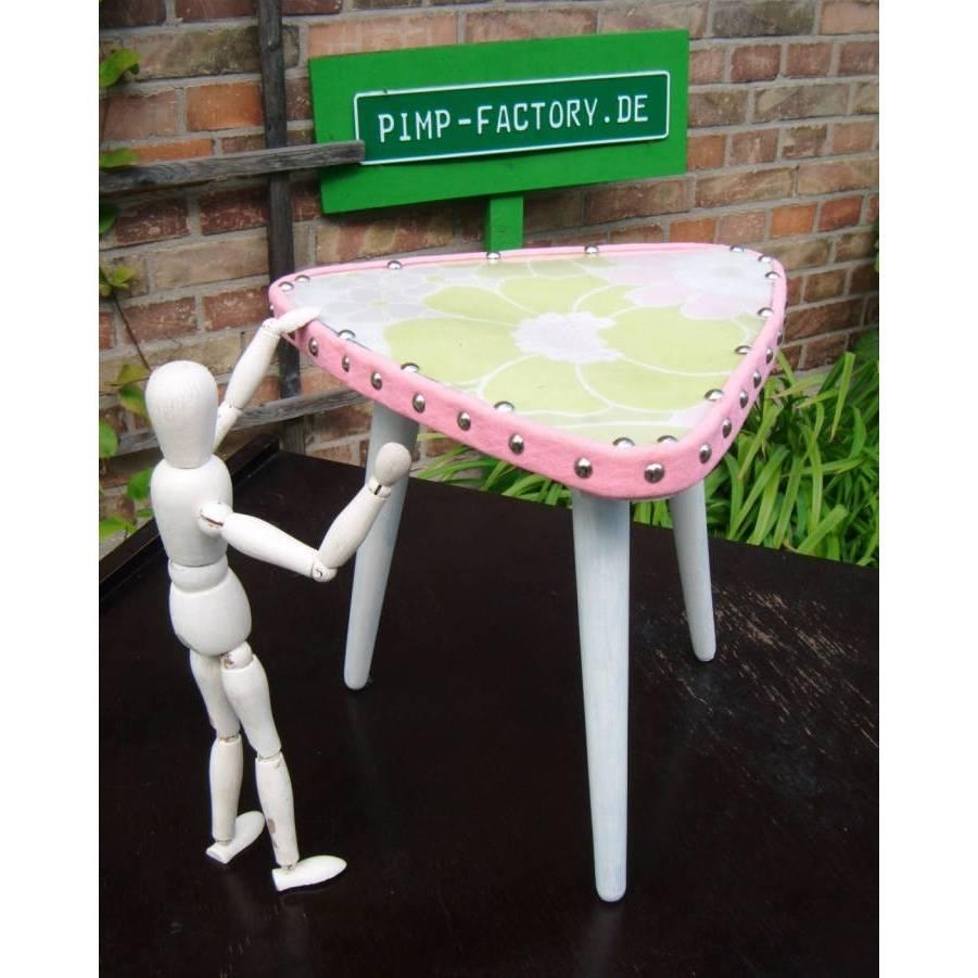 Shabby Chic  Nierentischen  50er Vintage Dreibein Tisch Hocker Blumen Pflanzen Beistelltisch * Shabby Chic Handarbeit von pimp-factory Bild 1