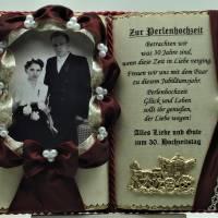 Deko-Buch Perlenhochzeit für Foto – 30. Hochzeitstag (mit Holz-Buchständer) Bild 1