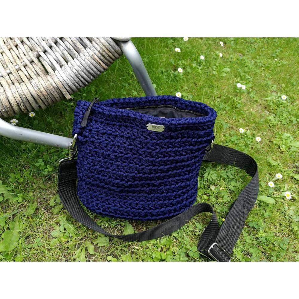 HAPPY Bag- gehäkelt - Schwarz/Blau Bild 1