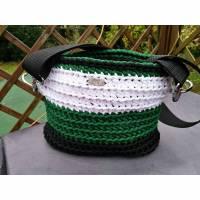 HAPPY Bag- gehäkelt - Schwarz/weiß/grün - nicht nur für Fußballfans Bild 1