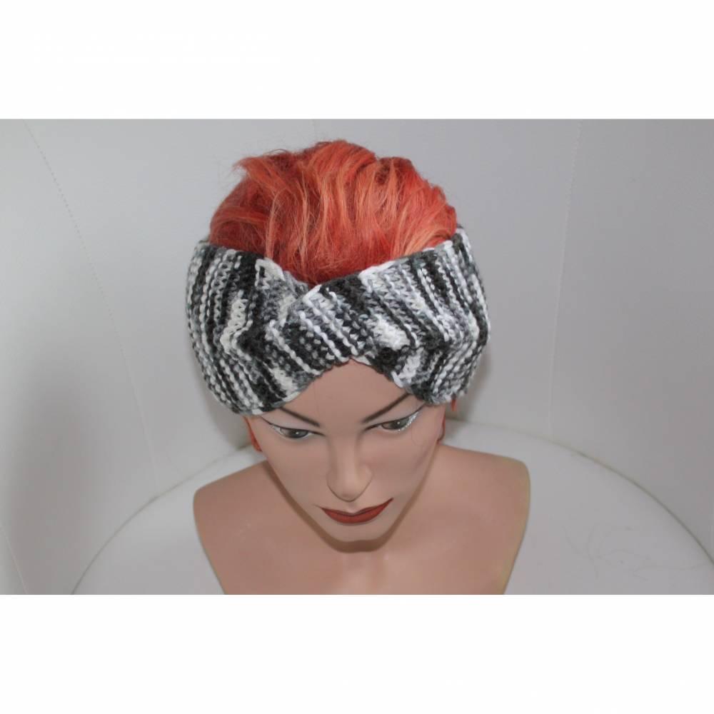 handgestricktes Twist-Stirnband in schwarz/weiß aus Wollmischgarn, KU ca. 54-58 cm    Bild 1