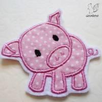 kleines Ferkel -- Schwein-chen -- Aufnäher in verschiedenen Größen (S-XL) -- Bügelbild Bild 1