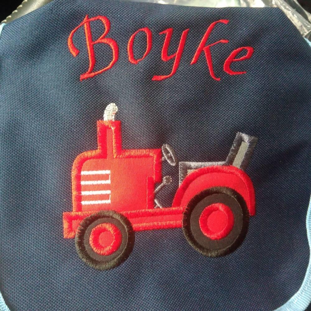 Kindergarten- / Kita-Tasche bestickt mit Traktor +  Wunschname Bild 1