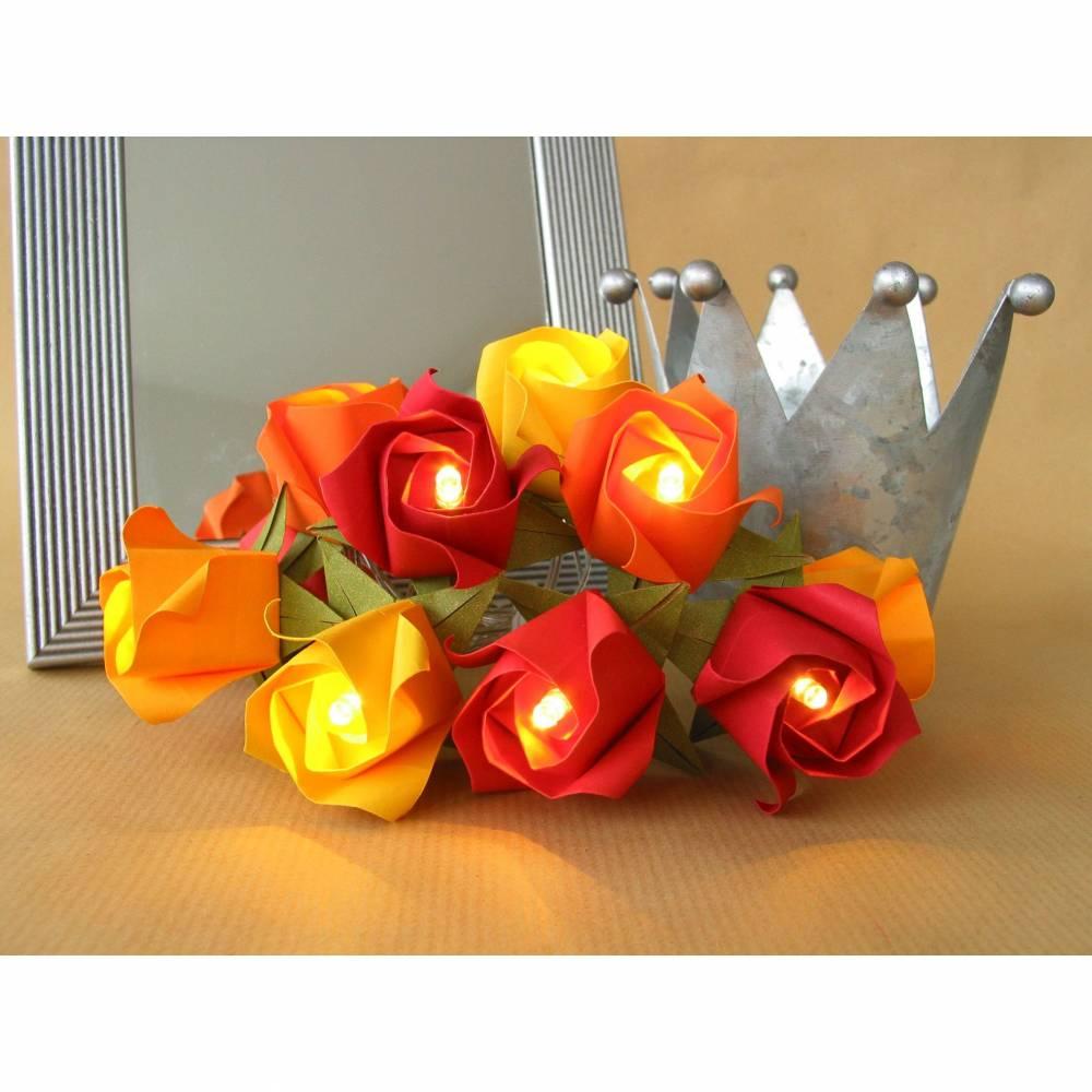 Lichterkette kleine Rosen in rot orange, Kinderzimmerdeko Bild 1