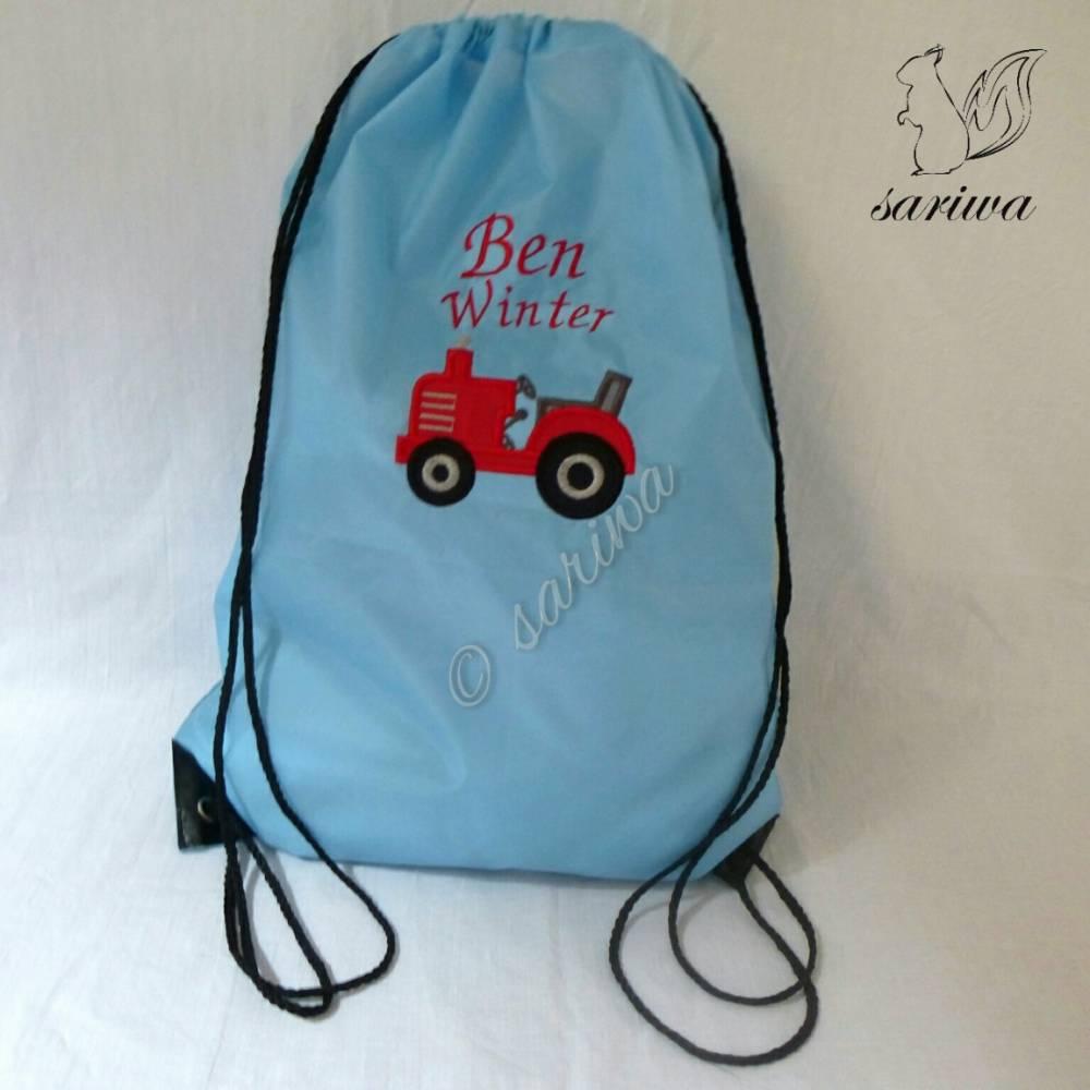 Kindergarten- / Kita-Tasche -- Turnbeutel bestickt mit Traktor -- mit Name nach Wunsch bestickt Bild 1