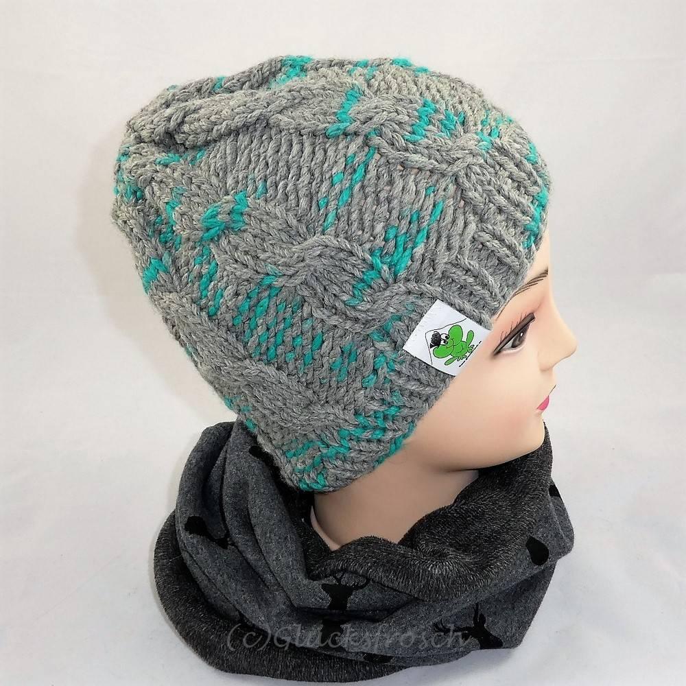 Mütze, grau mit türkis Bild 1
