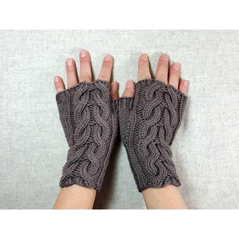 """Nachhaltige Handschuhe mit Zopfmuster """"Rapunzel"""", gestrickte Damen-Armstulpen Bild 1"""