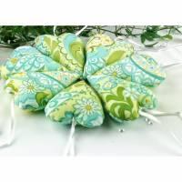 Stoffherzen - Herzen - Dekoherzen romantisch geblumt in blau - gelb - weiß - grün, Deko Türkranz,  Fensterdeko, Geschenkanhänger, Tischdeko Bild 1