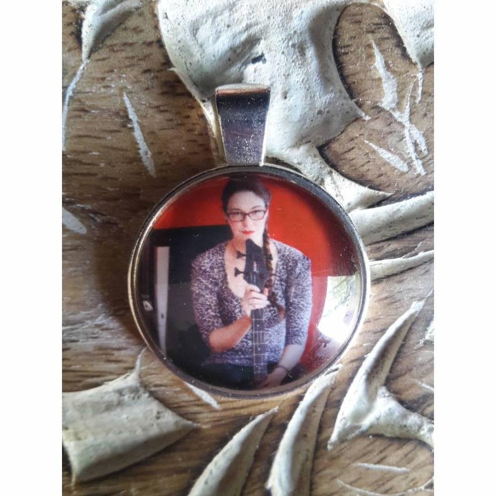 Anhänger Cabochon 25mm silberfarbe o. bronze mit eigenen Bild personalisiert Bild 1