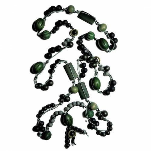 XXL- Knotenkette in Grün, Oliv und Schwarz mit einem Umfang von 166 cm