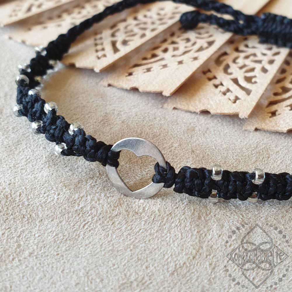 Armband mit Herz-Element aus 925 Silber und Glasperlen - Größenverstellbar - Makramee - Koboldmakielfe Bild 1