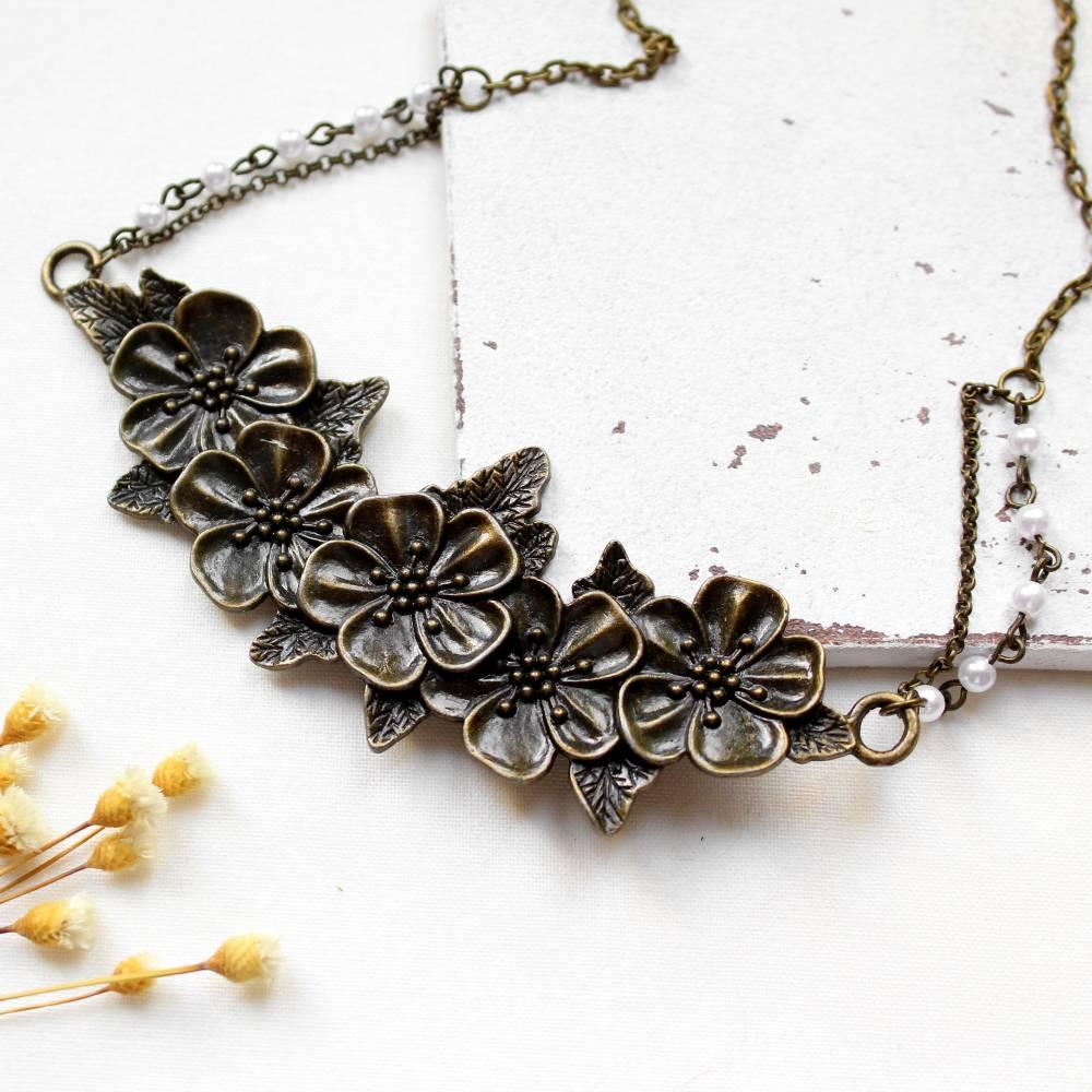 Blumenliebe • Halskette bronze | Statementkette | Geschenkidee Frau | Freundin | Schwester | Mama Bild 1