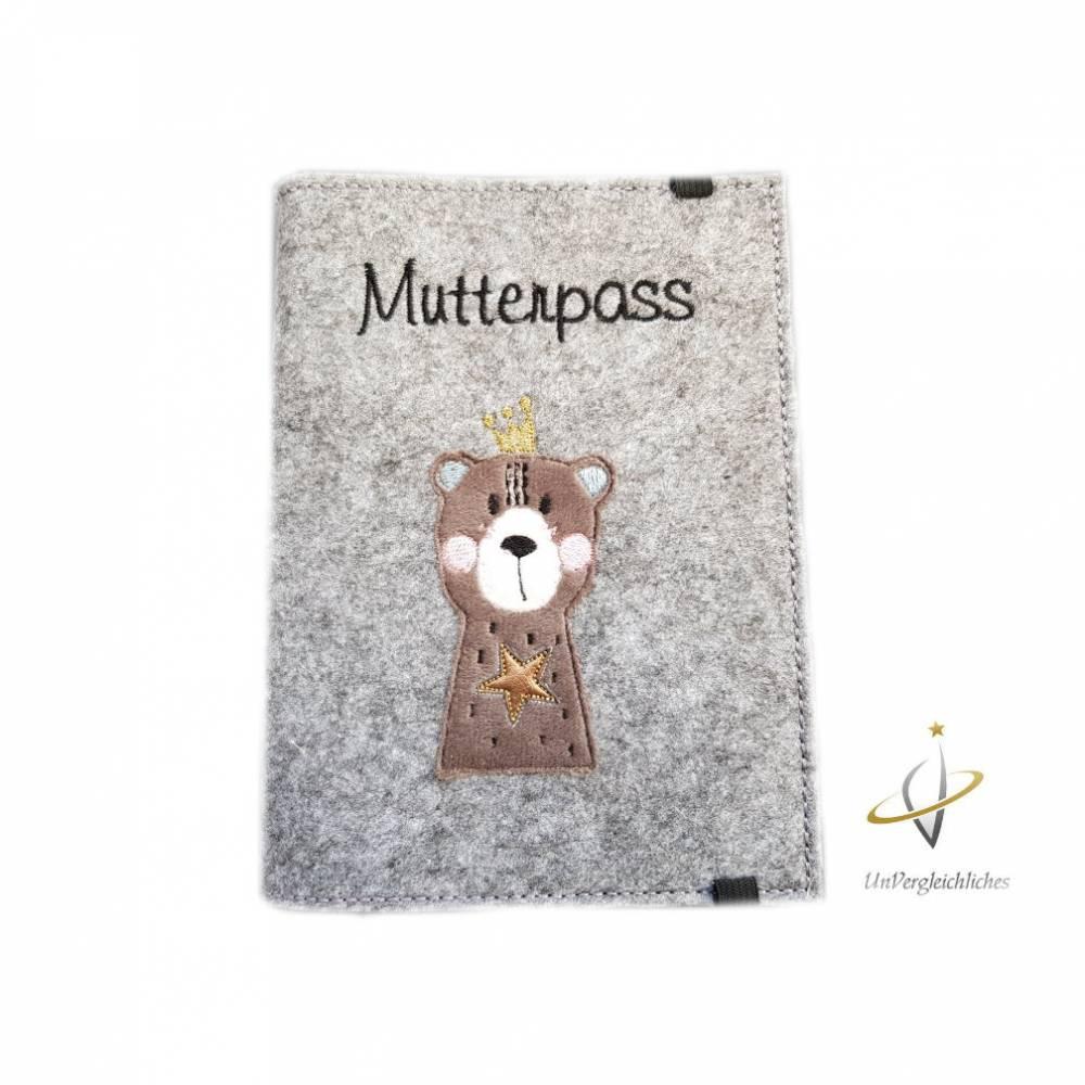 Mutterpasshülle Filzhülle Mutterpass Bärenkönigin / Bär mit Krone Bild 1