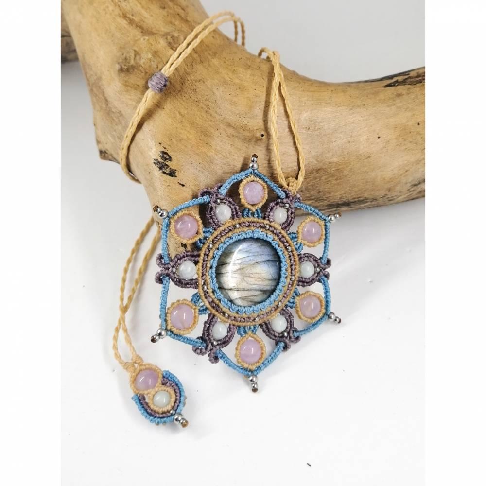 Makramee-Mandala Halskette mit Labradorit, Amethyst und Aquamarin Bild 1