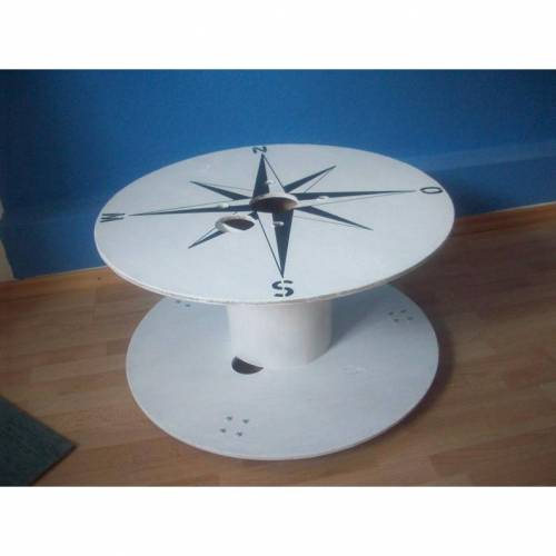 Kabelrolle aus Holz als Tisch, Windrose