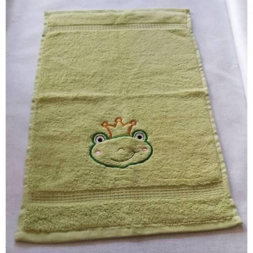 kuschelweiches Handtuch bestickt mit kleinen Tieren, Blickfang für jedes Bad, Baumwolle,grün mit einem Frosch