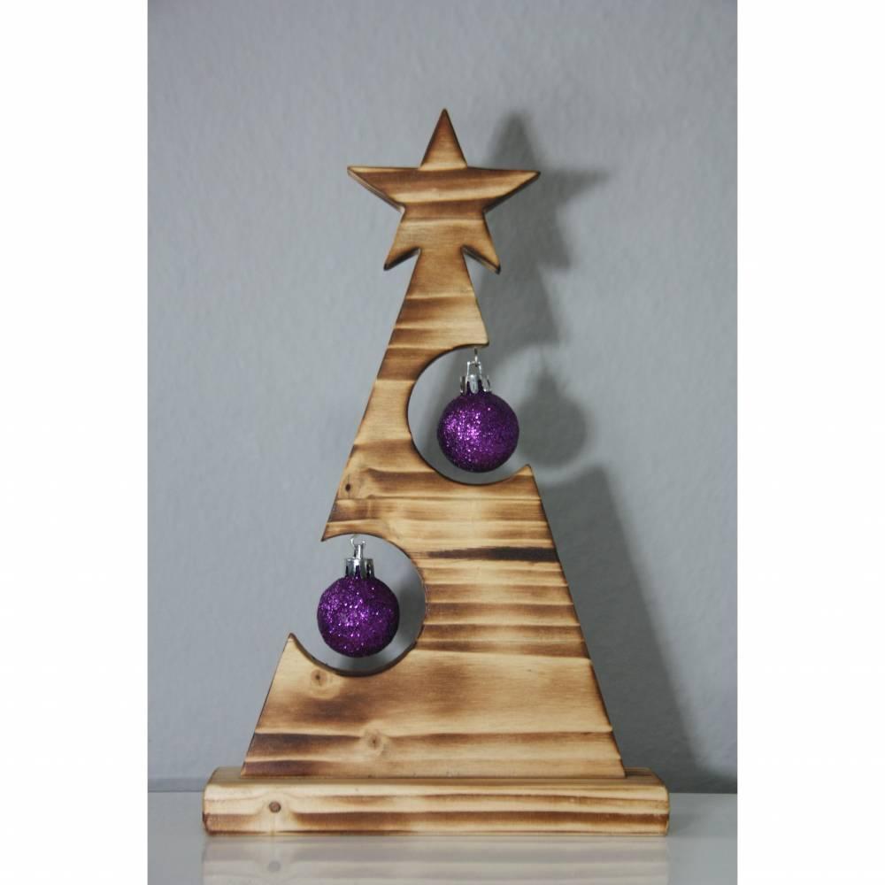 Tannenbaum aus Holz, Weihnachtsdeko mit Christbaumkugeln Bild 1