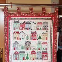 Adventskalender bunte Häuser, Goldschimmer, rot Bild 1