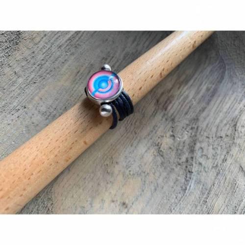Wickelring aus Leder mit schickem Cabochon