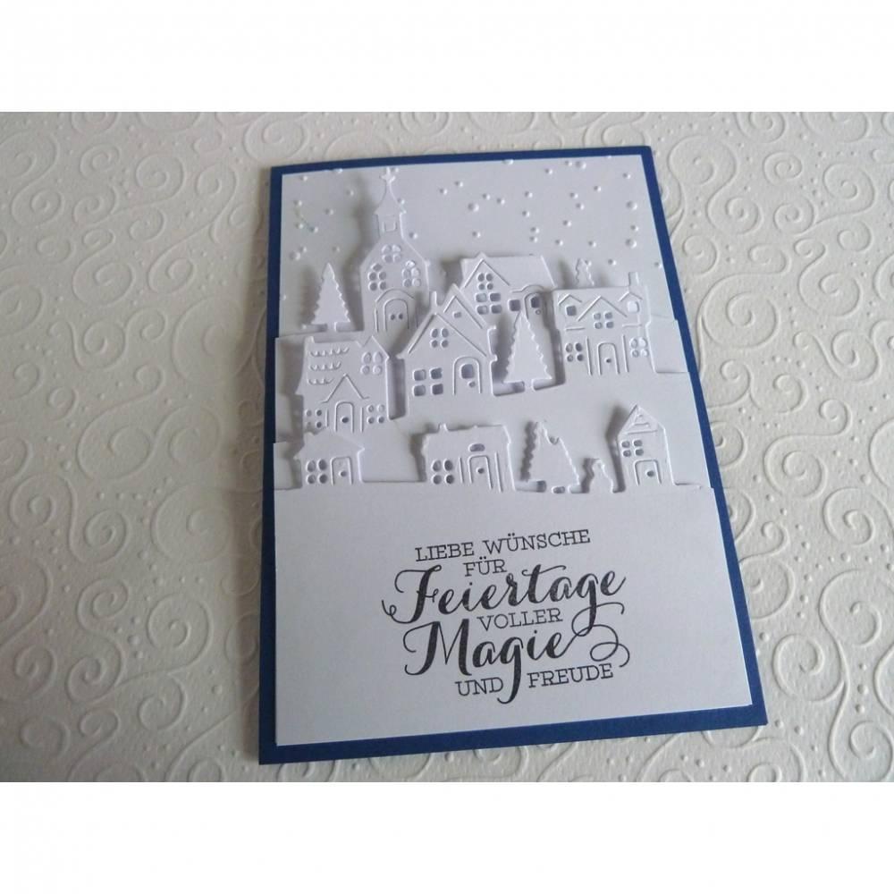 Weihnachtskarte in weiß, Klappkarte, Grußkarte, Weihnachten, Winterdorf Bild 1