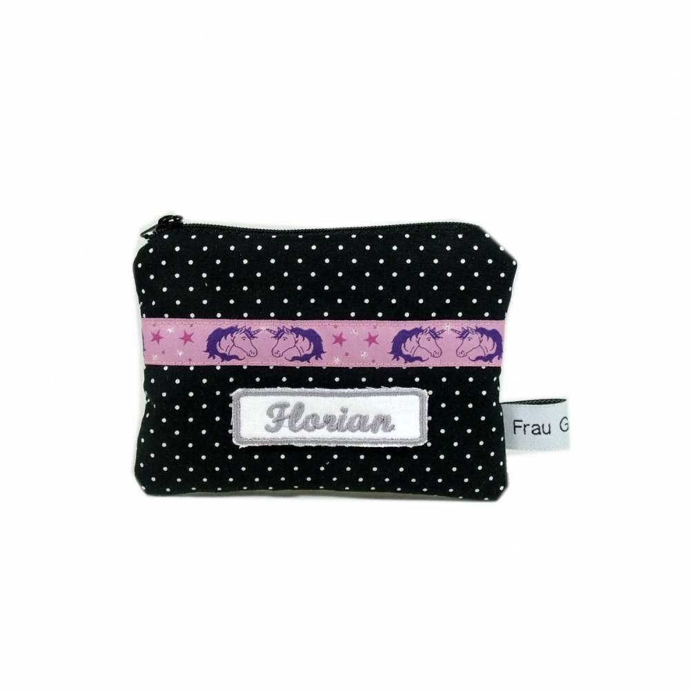 Täschchen Mäppchen Etui Geldbörse Einhorn lila violett schwarz handmade Punkte weiß Bild 1