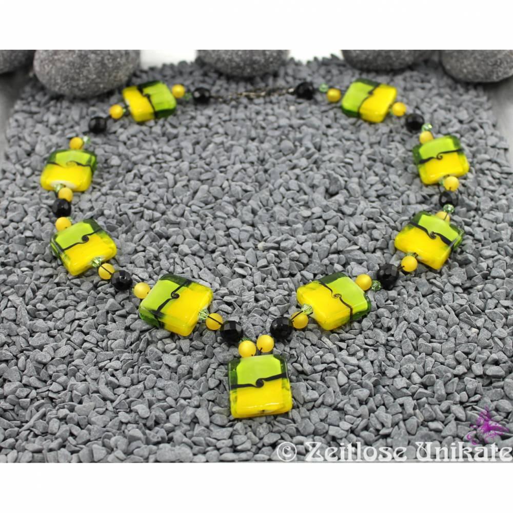 üppige grün, gelb und schwarz Statementkette mal anders - Unikat Kette - einmalige Perlen Bild 1