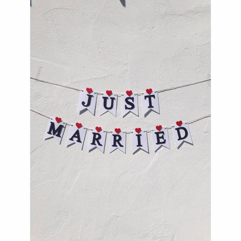 Hochzeitsgirlande Just Married Papiergirlande zur Hochzeit Wimpelkette Hochzeitsdeko Dekoration aus Papier Fahnengirlande Wedding Bild 1