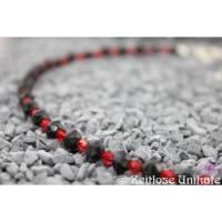 zeitloses Unikat, Kette in schwarz und rot - auf den zweiten Blick -  interessante einmalige Perlen Bild 1