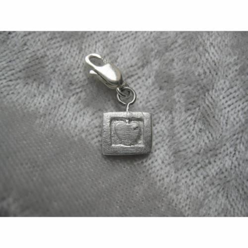 Charm Anhänger kleines Herz aus 999 Silber, matt gebürstet
