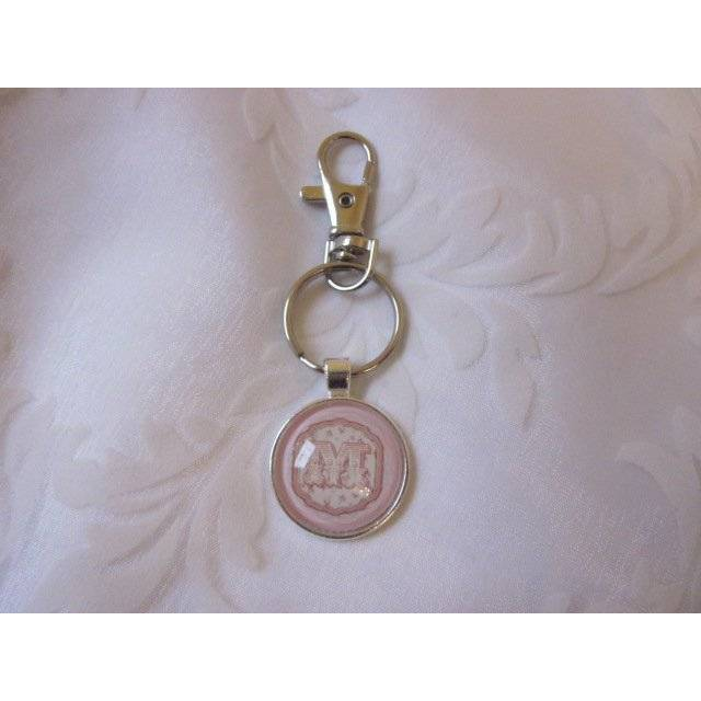 """Schlüsselanhänger Monogramm Buchstabe """"Lettre"""" personalisierbar Geschenkidee individuell rosa Vintage Stil Bild 1"""